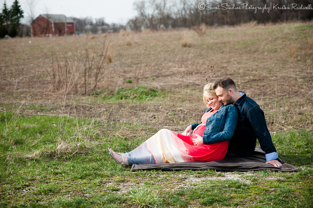 Candice & Mike Outdoor Maternity Session | Cleveland Newborn Maternity Photographer