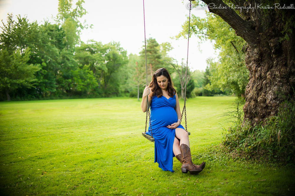 Outdoor Maternity Session| Cleveland Maternity Photographer
